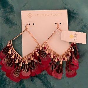 Kendra Scott drop down feather earrings